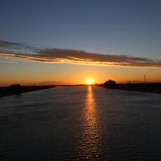 El sol surt per l'Ebre